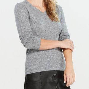QI Sweater 100% cashmere womens v neck euc